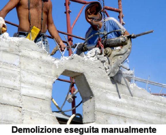 Demolizione eseguita manualmente